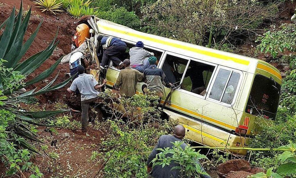 Muertos, heridos, niños, accidente, autobús, carretera