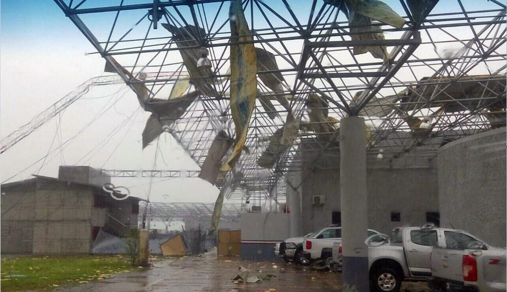 Infraestructura dañada en Nuevo Laredo tras paso de torbellino