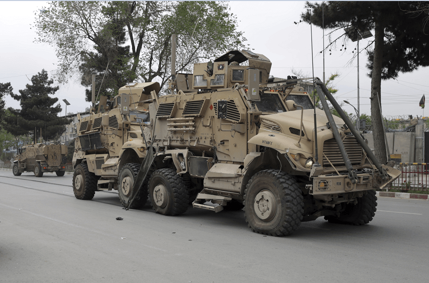Un convoy militar de EU en Afganistán