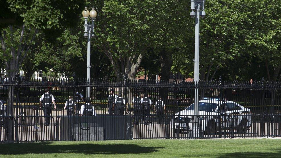 Seguridad, Casa Blanca, Servicio Secreto, Trump, hombre, barrera,