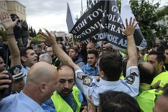Los sindicatos griegos, en pie de guerra contra la austeridad