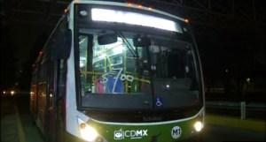 Unidad de transporte publico baleada sobre churubusco 2
