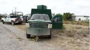 Autoridades hallan un vehiculo con blindaje artesanal