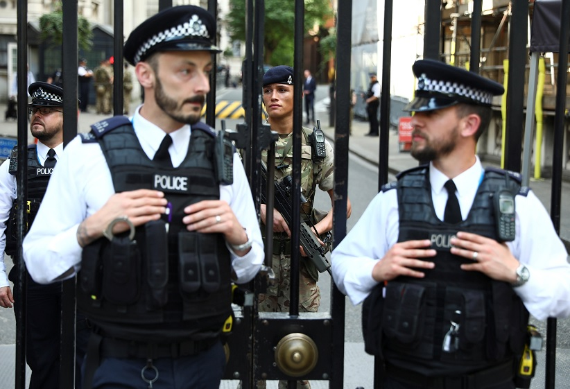 Policías vigilan calles de Londres, Gran Bretaña (Reuters)