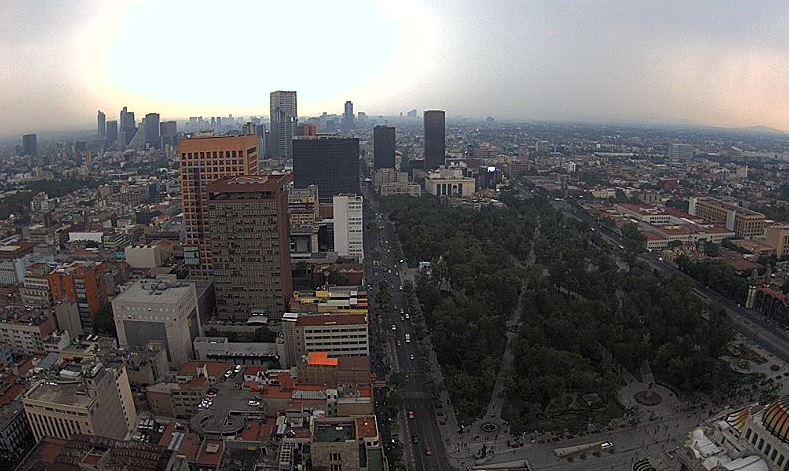 panoramica de la ciudad de mexico, sigue el calor
