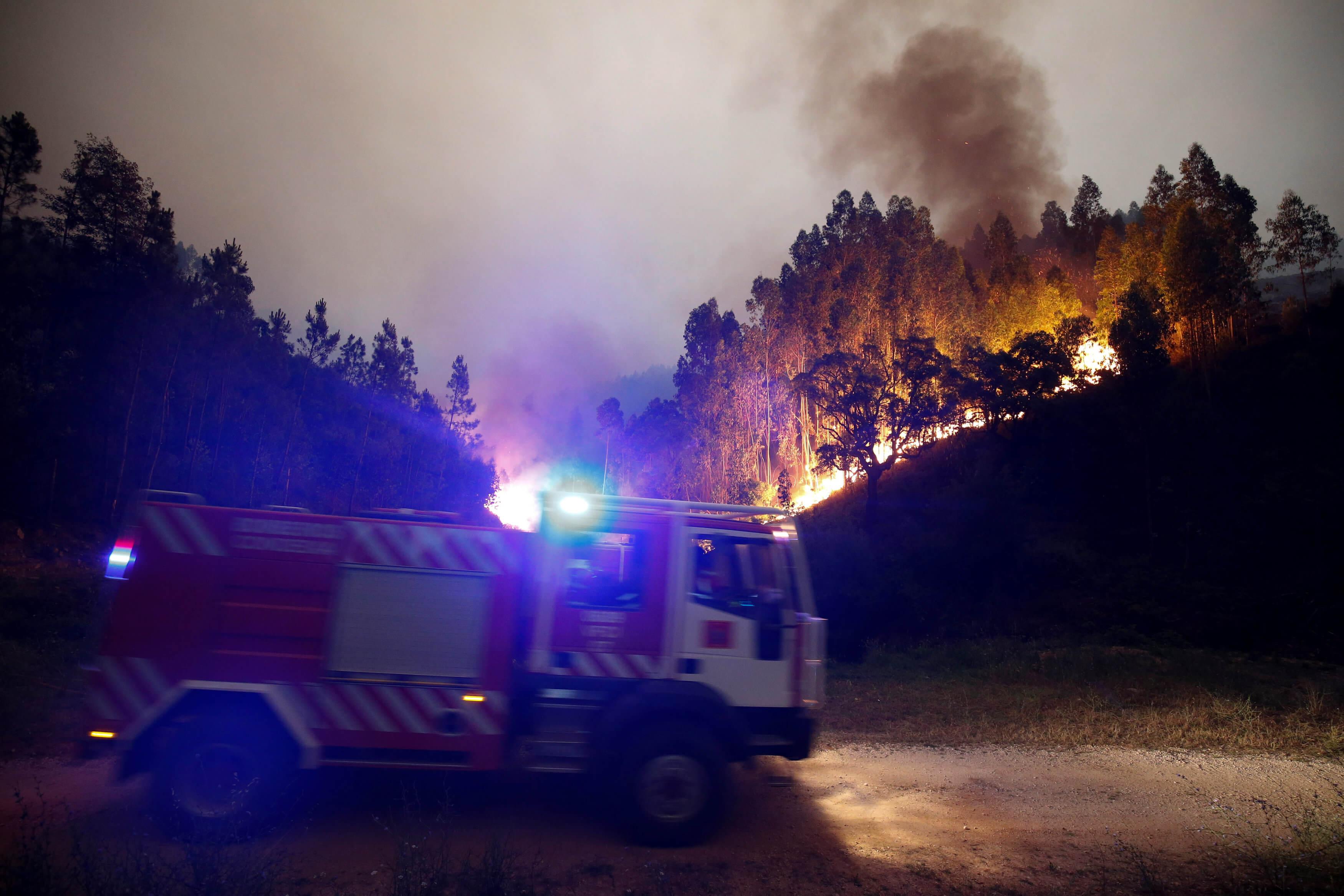 Sube a 58 la cantidad de muertos tras incendio en Portugal