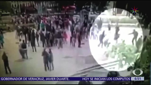 ataque, argelino, policía, explanada de la catedral de Notre Dame