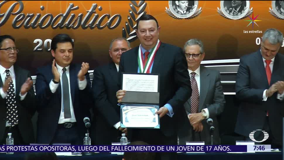 Senado de México, trayectoria de Toño de Valdés, medalla José Sulaimán, ámbito deportivo