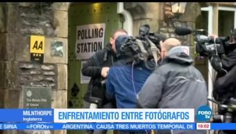 noticias, forotv, Fotógrafo, camarógrafo, pelean, Reino Unido