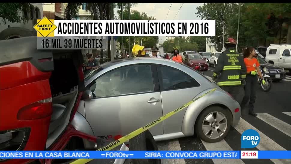 Noticias, forotv, celular, mientras conduces, primera causa, accidentes viales