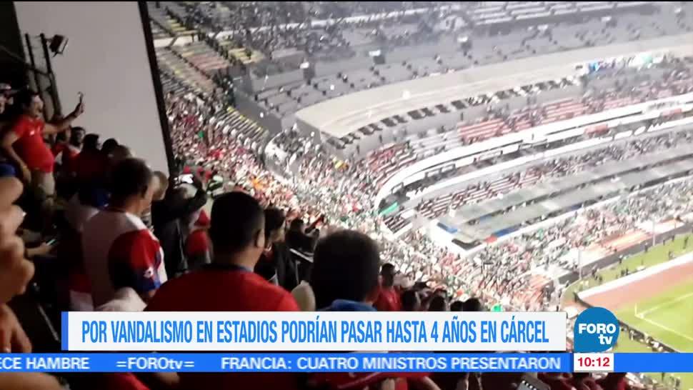 Presentan iniciativa, sanciones, actos violentos, estadios, Ciudad de México
