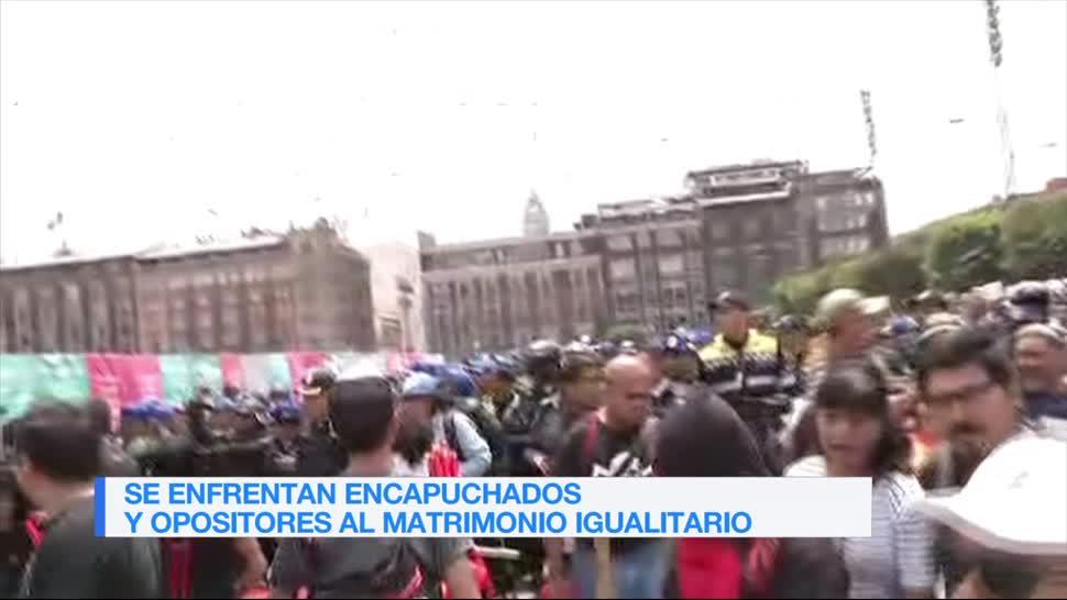 Manifestantes, se enfrentan, durante, marcha gay CDMX, encapuchados, LGBTTTI