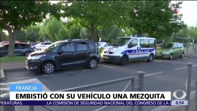noticias, televisa, Arrestan, hombre, embistió vallas, mezquita en Francia
