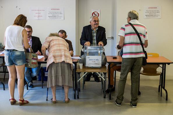 Partido de presidente Macron gana elecciones legislativas francesas