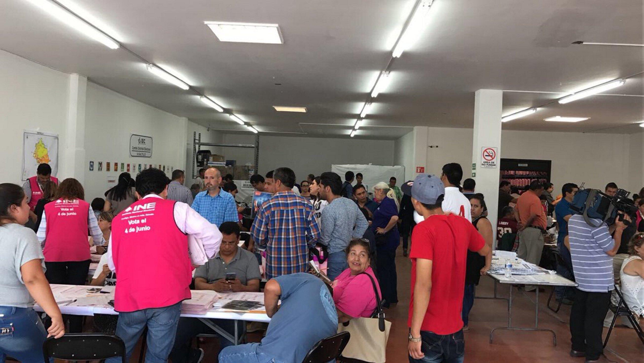Entregan constancia a Riquelme como gobernador electo de Coahuila