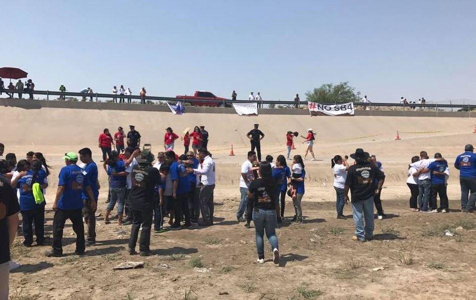 """""""Abrazos No Muros"""" reúne a más de 250 familias separadas por la frontera"""