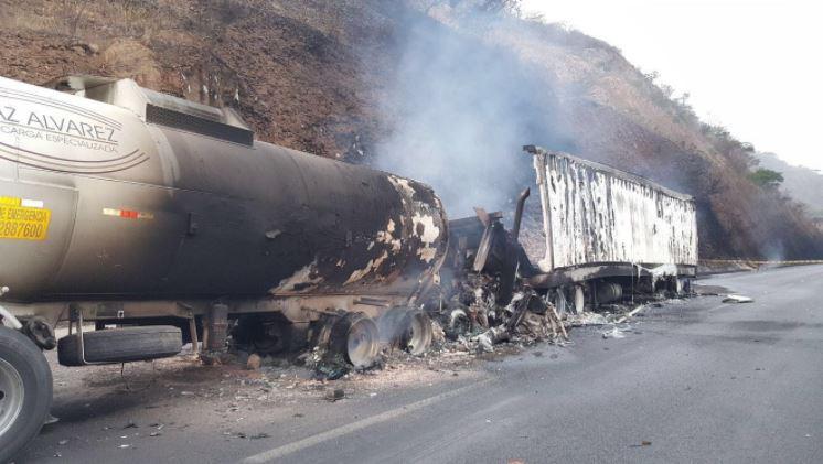 Reportan un muerto tras accidente en autopista Tepic – Guadalajara