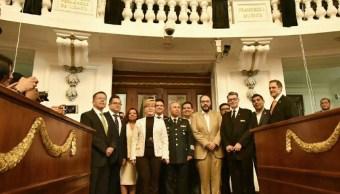 Fernández de Lizardi, Periodistas, Develan, Letras de Oro, Nombres de Periodistas, ALDF, Legisladores, Oro