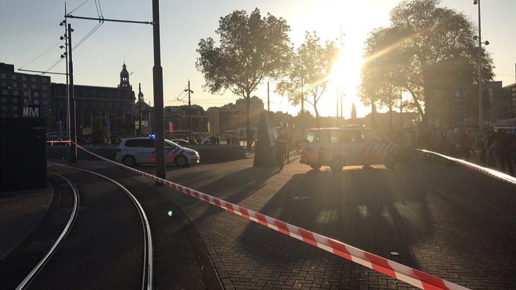 Ámsterdam: Auto atropelló a multitud afuera de estación de tren