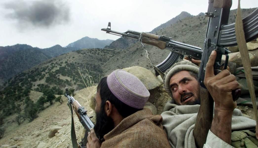 combatientes, afganos, talibanes, montañas blancas, Tora Bora, Afganistán.