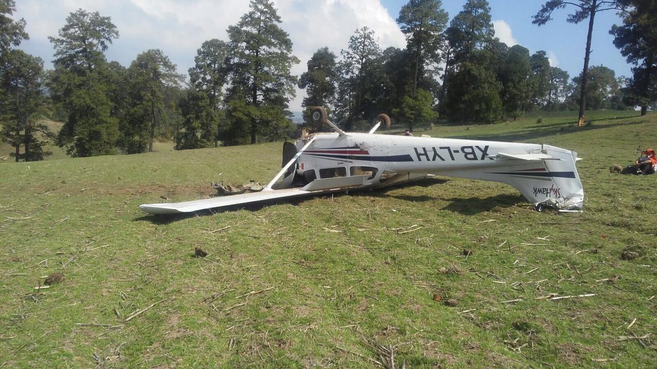 Se desploma avioneta en Villa de Allende
