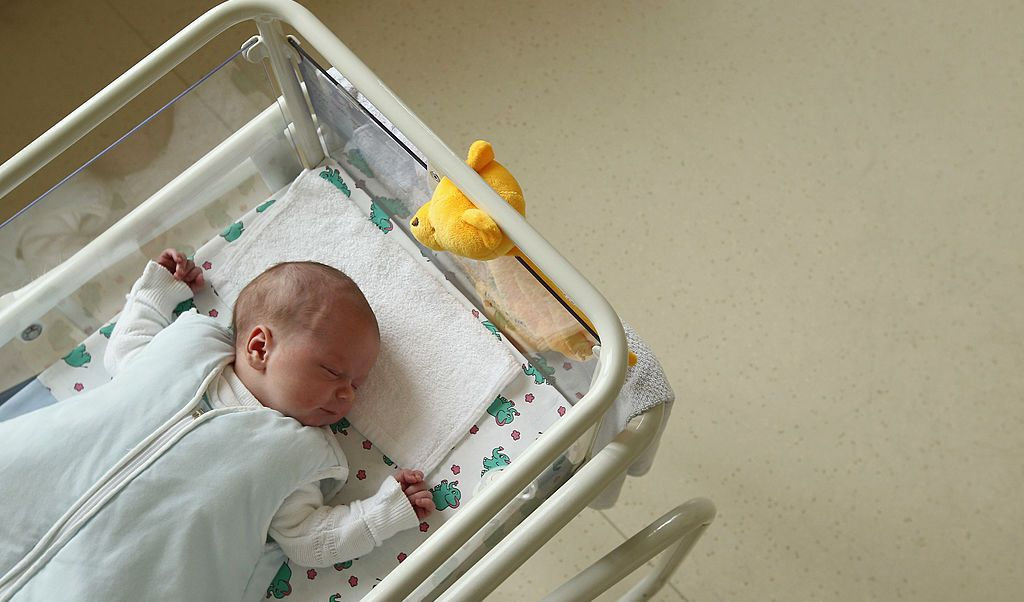 Doris Gruenwald, bebé, Austria, clínica