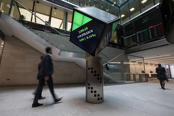 La Bolsa de Londres opera atenta a las elecciones
