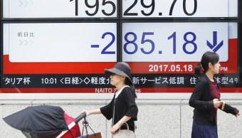 Bolsa de Tokio cierra operaciones a la baja