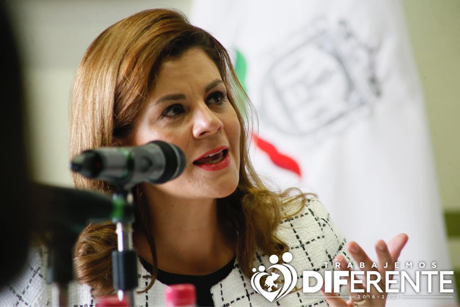 Primera dama de Zacatecas llama sicarios a estudiantes