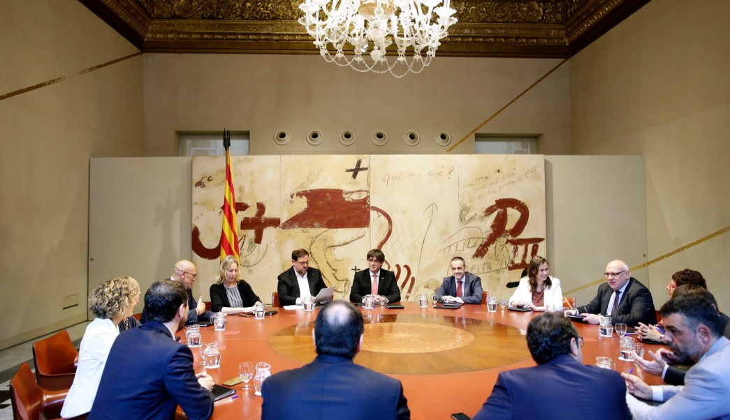 El presidente de Cataluña en reunión en Palacio de la Generalitat