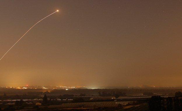 Israel ataca posiciones de Hamás en represalia por lanzamiento de misil