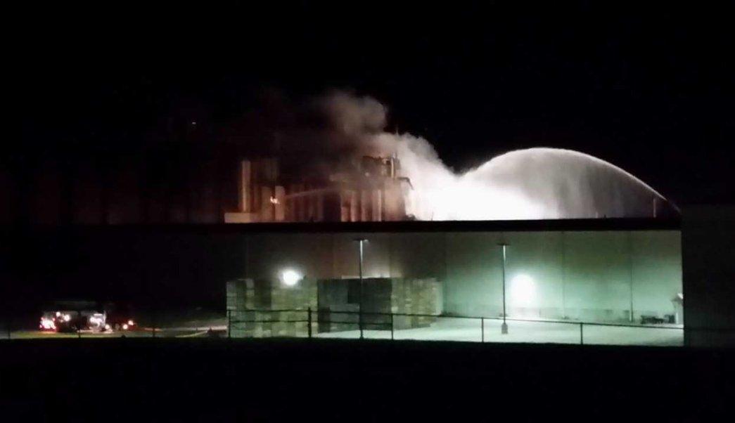 Explosión, planta de etanol, Wisconsin, Estados Unidos, accidente, derrumbe
