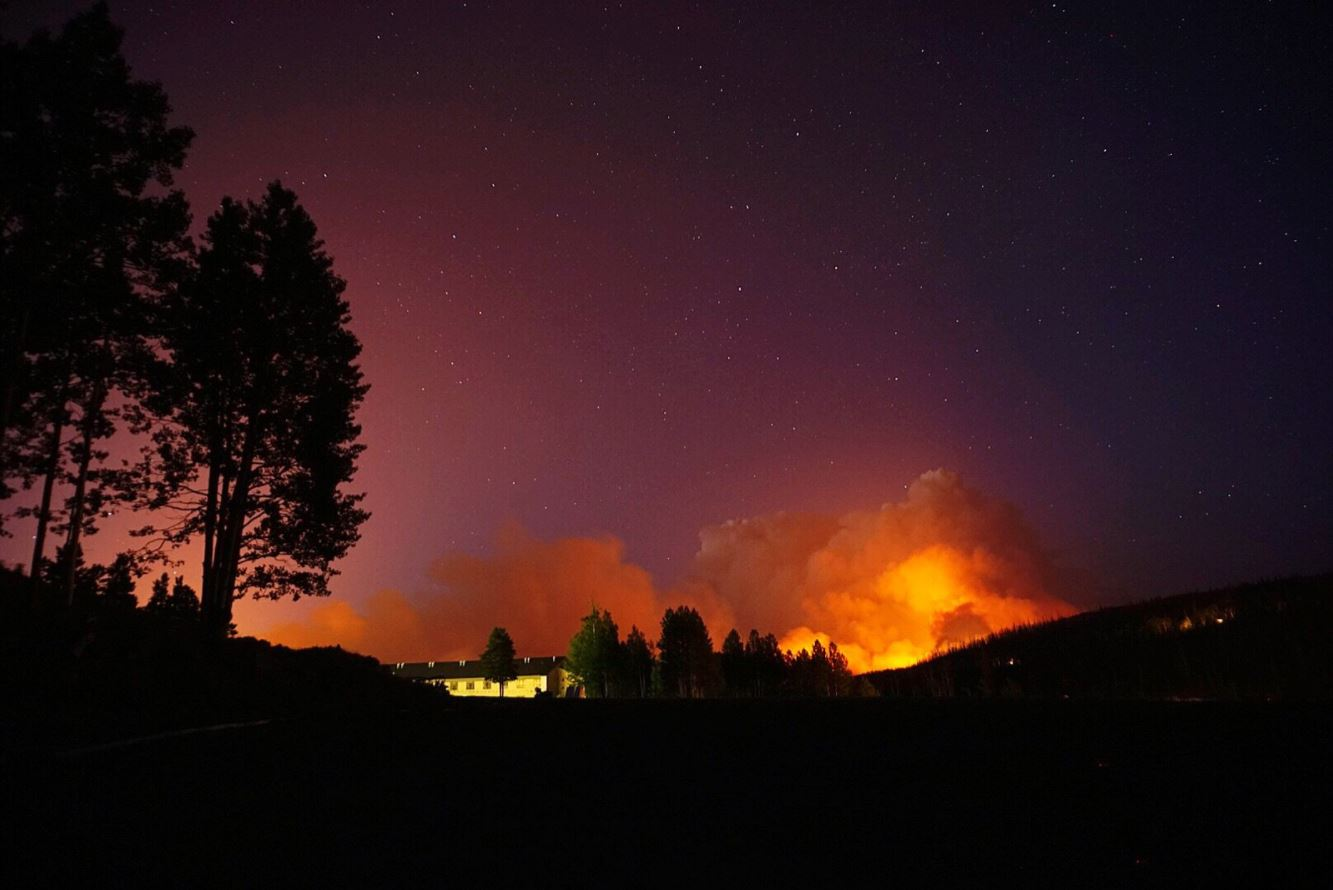 varios incendios afectan el oeste de eu