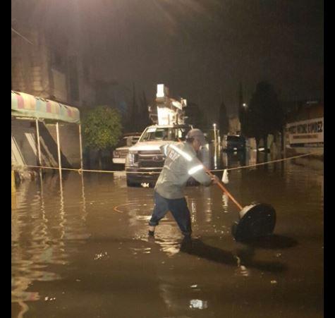 Lluvia, Inundación, Tláhuac, Vialidad, Bajo Puente, Bomberos, Autos, Agua