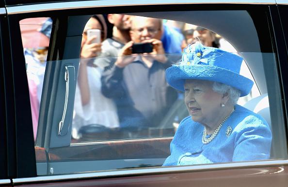 Denuncian A Reina Isabel II, No Usar Cinturon De Seguridad, Auto, 999, Numero De Emergencias Britanico, Palacio De Buckingham