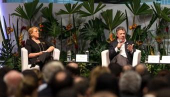 Michelle Bachelet y Juan Manuel Santos en Colombia