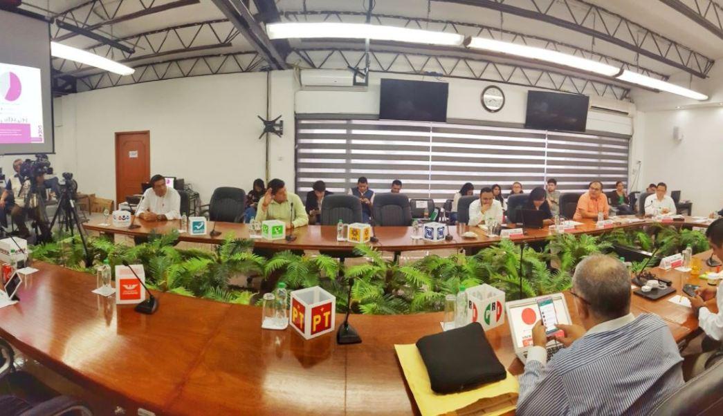 Autoridades entregan constancias a ediles electos de Veracruz