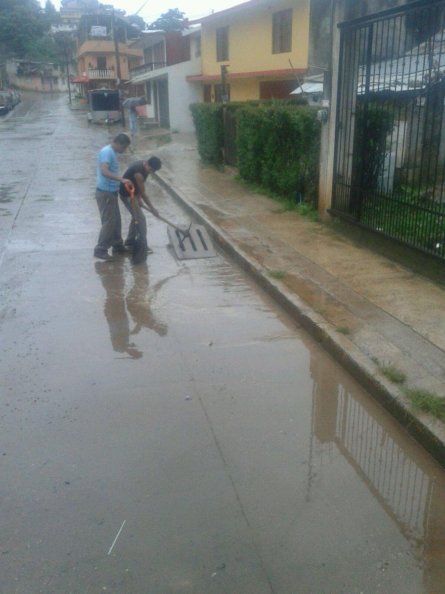 La Comisión Municipal de Agua y Saneamiento y los Servicios Públicos Municipales realizan limpiezas en la red