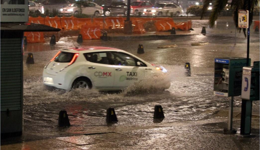 LLuvias provocan encharcamientos en la ciudad de mexico