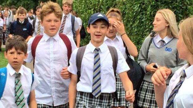¡Dejen a los niños usar shorts! fue el grito de la protesta estudiantil