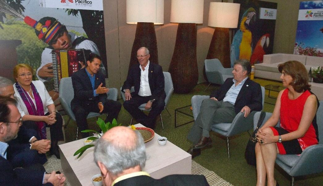Presidentes de países de la Alianza del Pacífico antes de la plenaria