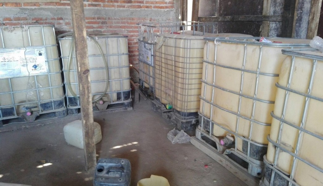 PGR Jalisco asegura combustible en inmueble de Tonala