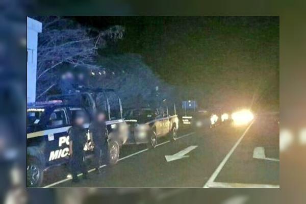 Policias vigilan vialidades de Apatzingan