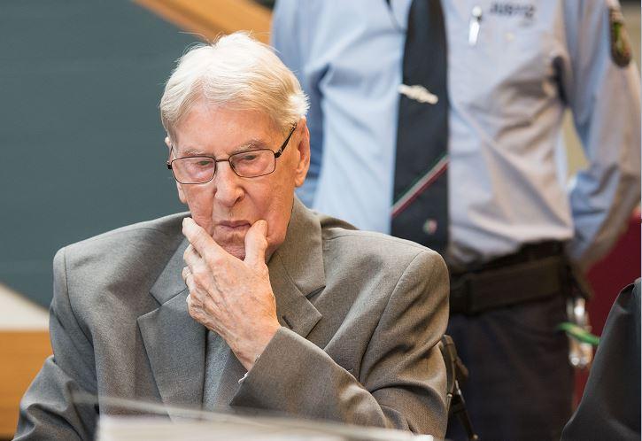 exsargento Reinhold Hanning, Nazi, Auschwitz, juicio