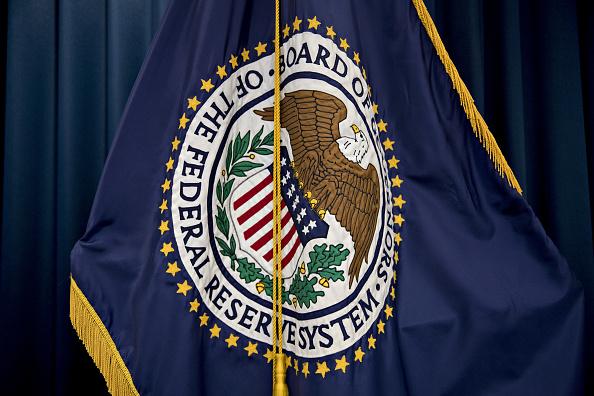La Fed citó el crecimiento económico y la fortaleza del mercado laboral