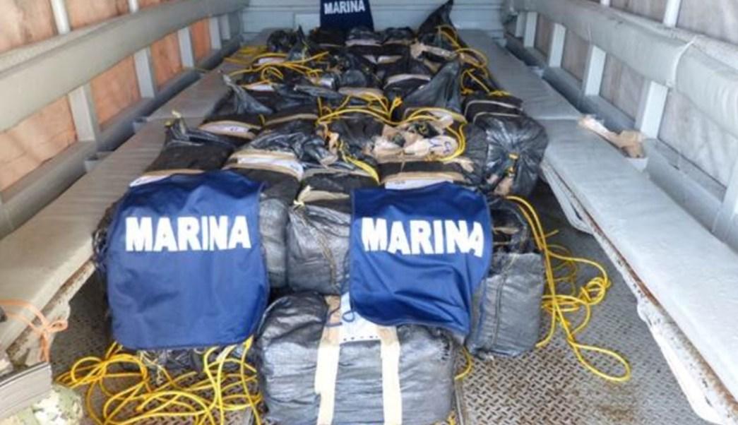 Elementos de la Semar aseguraron cocaína frente a costas de Chiapas. (Semar)