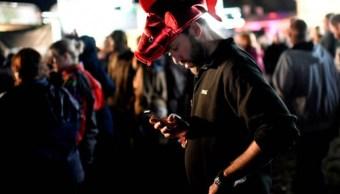 Las personas consideran que lo más frustrante de navegar en la web en sus smartphones es esperar a que se carguen las páginas (Getty Images)
