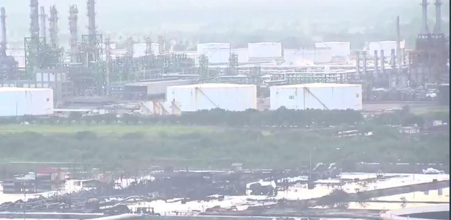 Sofocan incendio en la refinería de Salina Cruz, Oaxaca