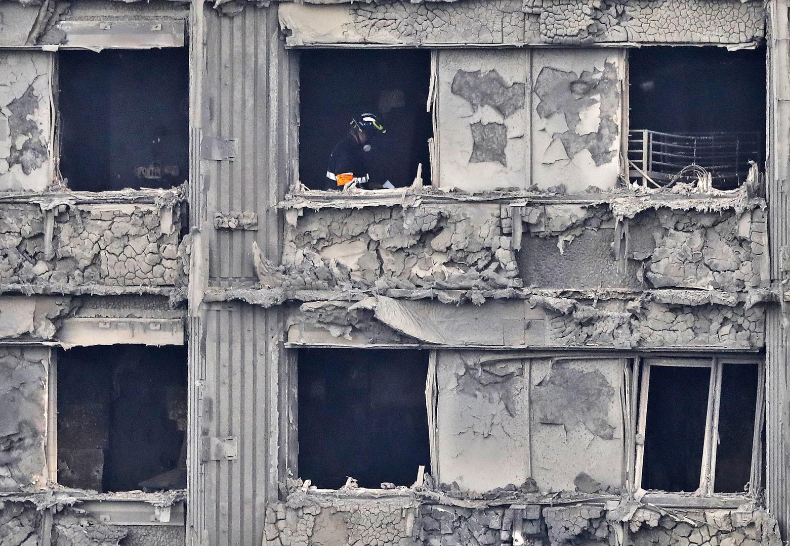 Londres: la policía cree que el trágico incendio dejó casi 60 muertos