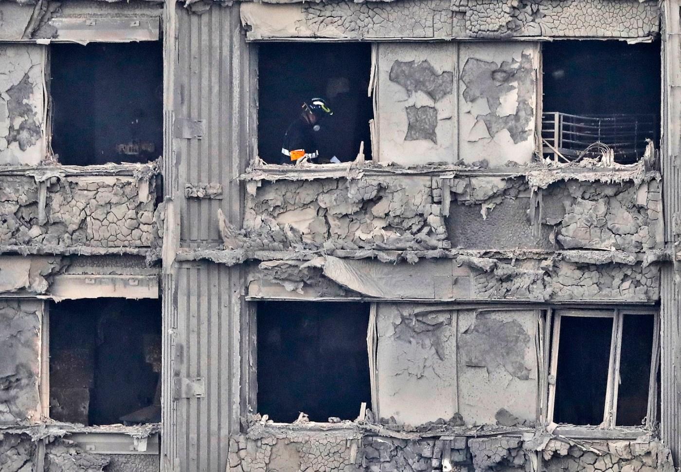 Theresa May pide una investigación oficial sobre el incendio en Londres